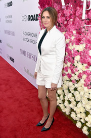 Julia Roberts kept it relaxed on the red carpet in a white short suit by Rag & Bone during the premiere of 'Mother's Day.'