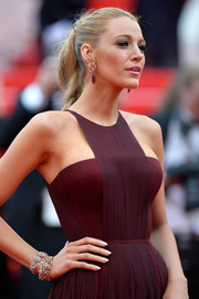 Blake Lively added an extra dose of luxury with a pair of diamond bracelets, also by Lorraine Schwartz.