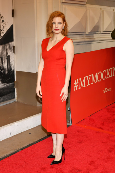 More Pics of Jessica Chastain Midi Dress (1 of 11) - Dresses & Skirts Lookbook - StyleBistro [dress,clothing,red carpet,red,fashion model,shoulder,carpet,cocktail dress,premiere,flooring,to kill a mocking bird,broadway,new york city,shubert theatre,jessica chastain]