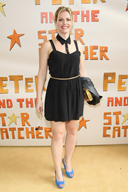 Elizabeth Stanley wore a clever spin on an LBD in this cutout collared number.