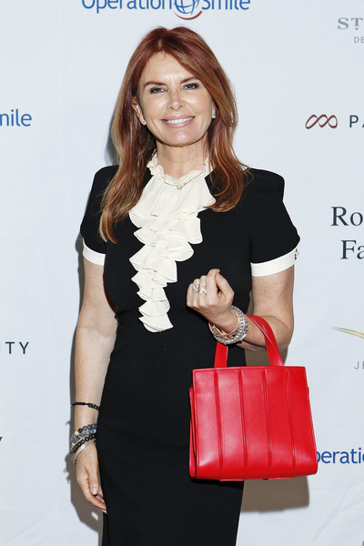 More Pics of Roma Downey Leather Tote (5 of 9) - Roma Downey Lookbook - StyleBistro