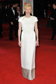 Tilda Swinton looked regal on the red carpet in this two piece column dress.