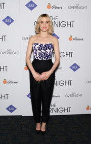 Taylor Schilling opted for tapered black slacks by Philosophy to finish off her outfit.