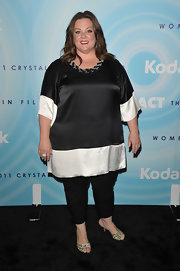 Melissa donned a black and white silk tunic with a beaded neckline for the Lucy Awards in Beverly Hills.