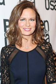 Mary Lynn Rajskub rocked a messy wavy cut with flipped bangs and tousled locks.