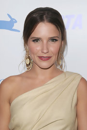 Sophia Bush showed off a decadent pair of gold diamond earrings while hitting the PETA gala in LA.