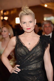 Jennifer Morrison chose a messy hair knot to give her a cool and punk look at the 2013 Met Gala.