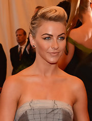 Julianne Hough pinned back her blonde locks into a stylish updo for her look at the 2013 Met Gala.