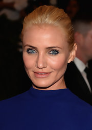 Cameron Diaz kept her look sleek from head to toe when she opted for a classic bun.
