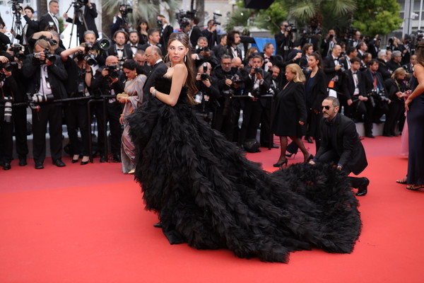 More Pics of Madison Beer Strapless Dress (1 of 18) - Madison Beer Lookbook - StyleBistro [red carpet,dress,carpet,premiere,fashion,event,gown,flooring,haute couture,madison beer,dolor y gloria,douleur et glorie,screening,cannes,france,red carpet,the 72nd annual cannes film festival]