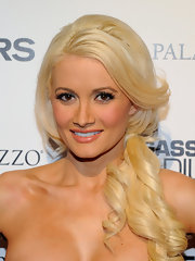 Holly Madison showed off her loose side ponytail while hitting the 'Takers' after party.