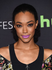 Sonequa Martin-Green brightened up her beauty look with some lavender lipstick.