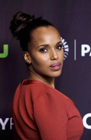 Kerry Washington swept her hair up into a chic top knot for the 'Scandal' premiere during PaleyFest Los Angeles.