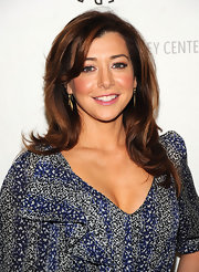 """Alyson Hannigan red hair abolutely glows on the red carpet and is a great color choice for the """"How I Met Your Mother Star""""."""