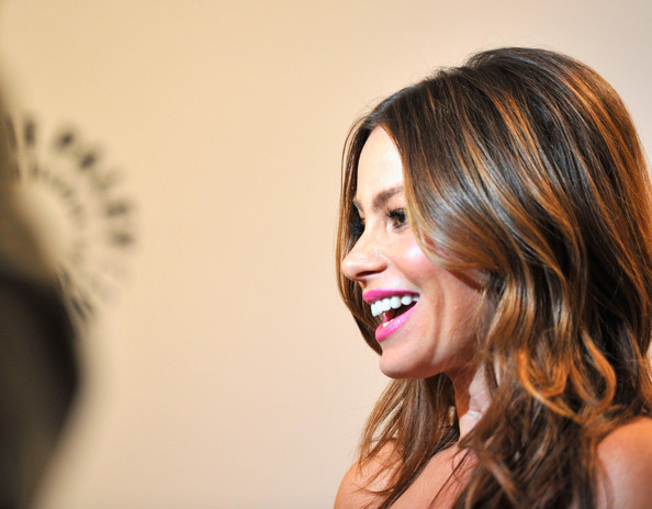 More Pics of Sofia Vergara Bright Lipstick (1 of 18) - Sofia ...