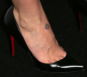 Sarah Paulson sported black pumps at 'The Office' series finale party.