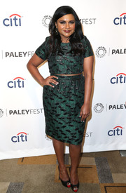 Mindy Kaling looked sassy in a green jacquard crop-top during PaleyFest 2014.