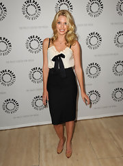 April Bowlby left her hair down in long flowing curls for this Drop Dead Diva photo opp.