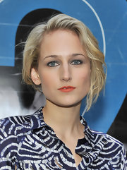 Leelee Sobieski attended the premiere of 'NYC 22' wearing her hair in a textured faux bob with wavy loose tendrils.