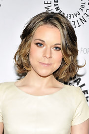 Tina Majorino's jaw-length bob is so versatile! At a screening of 'Napoleon Dynamite' she wore her cute cut in soft spiral curls.