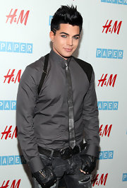 Adam hit the red carpet sporting a metallic skinny tie. Style star or fashion misfit?