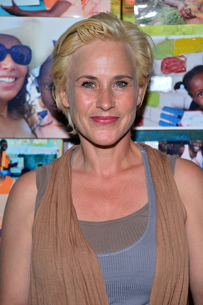 Patricia Arquette Short Side Part [hair,face,blond,hairstyle,beauty,lip,neck,long hair,surfer hair,brown hair,patricia arquette,residence,beverly hills,california,rosetta getty,givelove 2nd annual art auction and fundraiser for haiti]