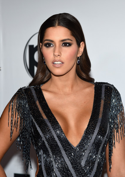 Paulina Vega Long Wavy Cut