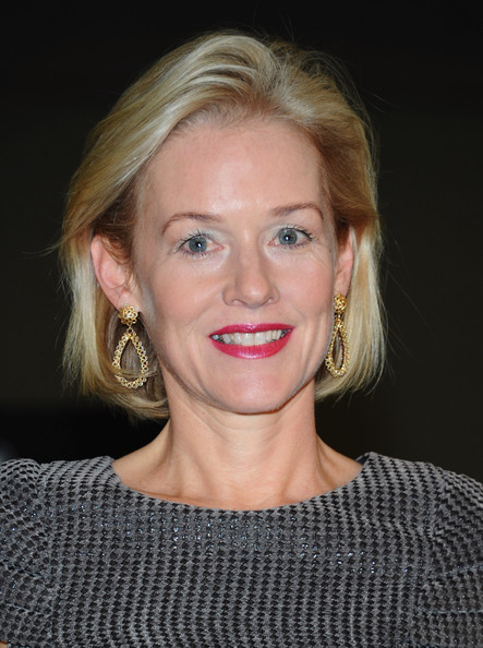 Penelope Ann Miller Bob [the artist,made in hollywood commendation,made in hollywood,hair,face,lip,blond,hairstyle,eyebrow,chin,beauty,cheek,head,penelope ann miller,commendation,la city council,los angeles city council,red studios,presentation,presentation]