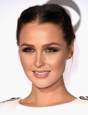 Camilla Luddington kept it youthful with this double French braid at the People's Choice Awards.