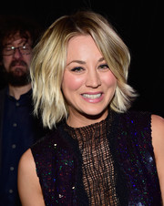 Kaley Cuoco looked edgy-glam with her subtly wavy razor cut at the 2016 People's Choice Awards.