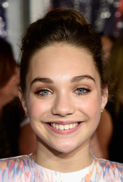 Maddie Ziegler swept her hair back into a loose bun for the People's Choice Awards.