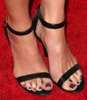 Amanda Righetti hit the Ones to Watch red carpet wearing a pair of minimalist-chic black sandals.