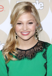 Olivia Holt pulled her hair up in a super-charming side ponytail for People's Ones to Watch party.