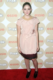 Willow Shields kept it youthful and sweet with this bow-adorned pink dress during the Ones to Watch party.