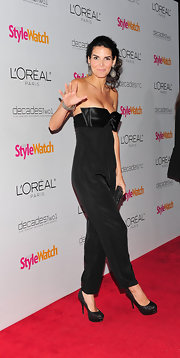 Angie Harmon sizzled at the People StyleWatch Retrospective in JustFabulous sparkly black platform pumps.