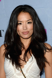 Stephanie Jacobsen wore her hair down in high-volume waves when she attended the People StyleWatch Denim Awards.