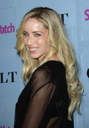 Astrid McGuire wore a gorgeous long curly 'do when she attended the People StyleWatch Denim Awards.