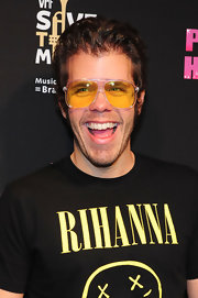 Perez Hlton accessorized with a pair of square yellow sunnies during his 'One Night in LA' show.