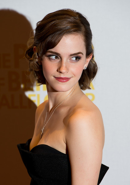 More Pics of Emma Watson Evening Pumps (1 of 19) - Emma Watson Lookbook - StyleBistro