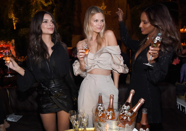 More Pics of Emily Ratajkowski Sheer Top (1 of 8) - Tops Lookbook - StyleBistro