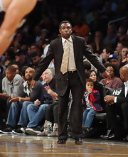 It takes a real man to wear a pastel colored tie, just ask Avery Johnson who pushed the boundaries of basketball fashion in a pale corn yellow one.