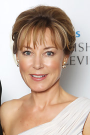 Delicate pearl drop earrings were just the accessory for Sian Williams' stunning evening gown.