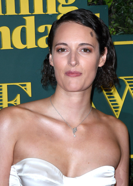 Phoebe Waller-Bridge Curled Out Bob [hair,eyebrow,hairstyle,chin,premiere,chest,black hair,neck,smile,throat,red carpet arrivals,phoebe waller-bridge,london evening standard theatre awards,london,england,theatre royal]