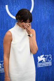 Gemma Arterton accessorized with a classic leather-band quartz watch by Jaeger-LeCoultre for the Venice Film Festival photocall.