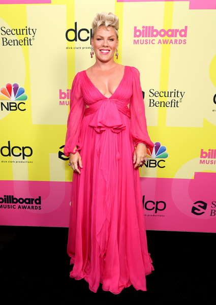 Pink Empire Gown [image,hair,joint,smile,hairstyle,shoulder,dress,sleeve,waist,pink,flooring,dress,p nk,billboard music awards,backstage,gown,hair,celebrity,clothing,red,red carpet,cocktail dress,carpet,gown / m,gown,dress,celebrity,clothing,red,beauty.m]