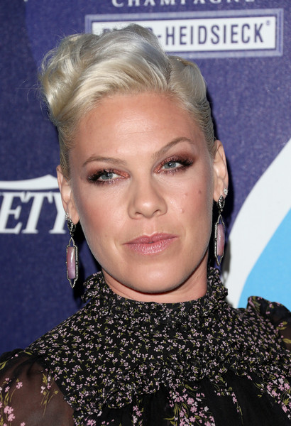 Pink Short Wavy Cut [hair,face,hairstyle,blond,eyebrow,chin,lip,forehead,eyelash,ear,onetouch,alcatel onetouch,humanity,arrivals,honoree pink,california,los angeles,beverly hilton hotel,alcatel]