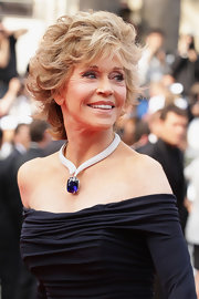 Jane wore a spectacular 53.5-carat diamond necklace with a cushion-cut blue sapphire pendant set in 18-karat white gold.