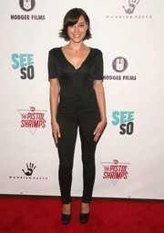 Aubrey Plaza proved a Henley shirt could look super sexy when she wore this outfit to the premiere of 'The Pistol Shrimps.'
