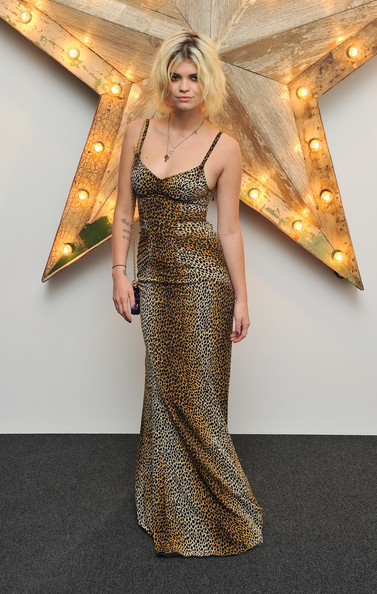 Pixie Geldof Evening Dress [mr,net-a-porter,pixie geldof,clothing,dress,fashion model,shoulder,gown,blond,fashion,beauty,haute couture,cocktail dress,england,london,westfield,party,porter host a party for dolce gabbana,dolce and gabbana]