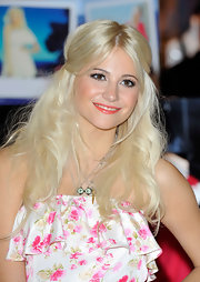 Pixie Lott wore a chain pendant neckalce with her initials on them.